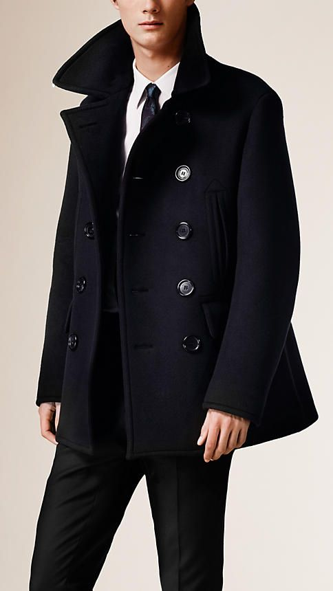 Burberry sculptural bonded cashmere pea coat. Fully lined, the design is crafted with reinforced seams and a back vent. Sartorial flap pockets and an undercollar with signature zigzag topstitching complete the piece. Discover the men's outerwear collection at Burberry.com
