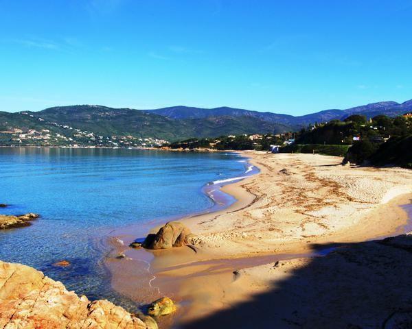 Corsica - Golfe -Plage du Santana - Coggia - Le golfe de Sagone (en langue corse golfu di Saone) est un golfe de la mer Méditerranée qui se situe en Corse.