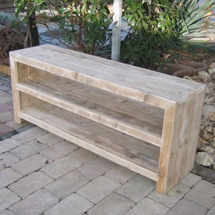 Steigerhout Tv-Meubel 'Jade' is een multifunctioneel, modern meubel gemaakt van gebruikt steigerhout. U kunt door de ruime vakken gemakkelijk uw televisie, stereo en dvd-speler wegzetten. Jade is een strak TV-meubel met veel uitstraling, een meubel dat past in elk interieur. Wij kunnen Tv-meubel 'Jade' ook uitvoeren met deurtjes of geheel [...]
