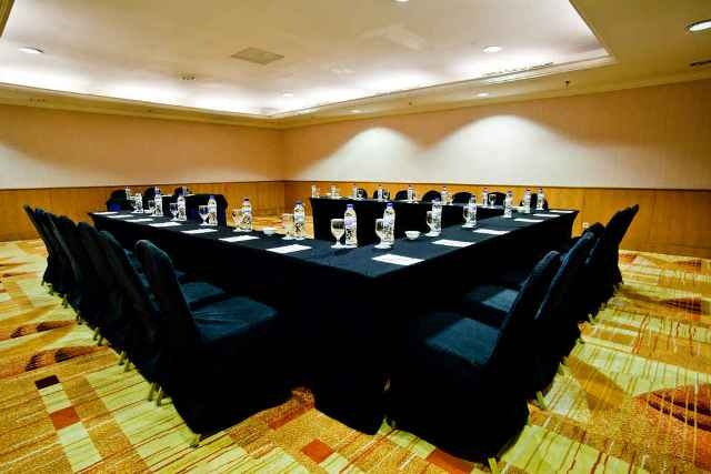 Hotel Aryaduta Makassar - Masamba 4  Capacity: 27 - 80 persons  Dimensions: 9.2 x 7.8 x 2.5  Located: Mezzanine Floor