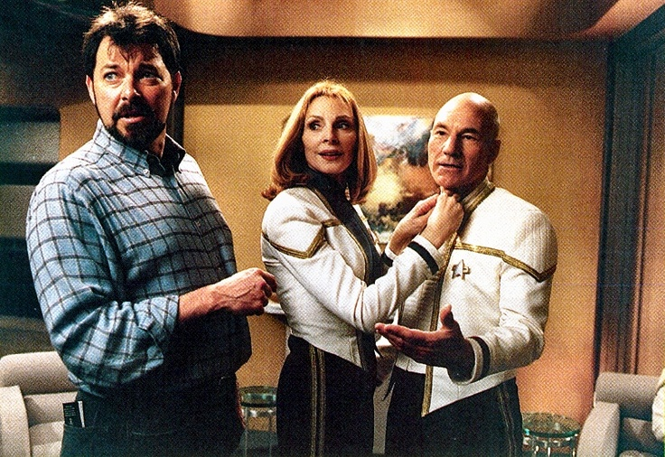 Jonathan Frakes directing Gates McFadden, and Patrick Stewart at the beginning of ST: Insurrection, 1998.