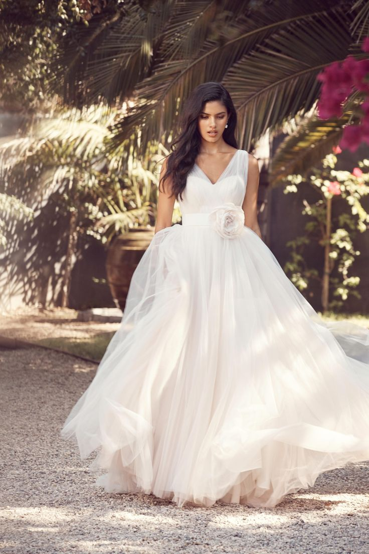 19 best Women\'s Gowns images on Pinterest | Short wedding gowns ...