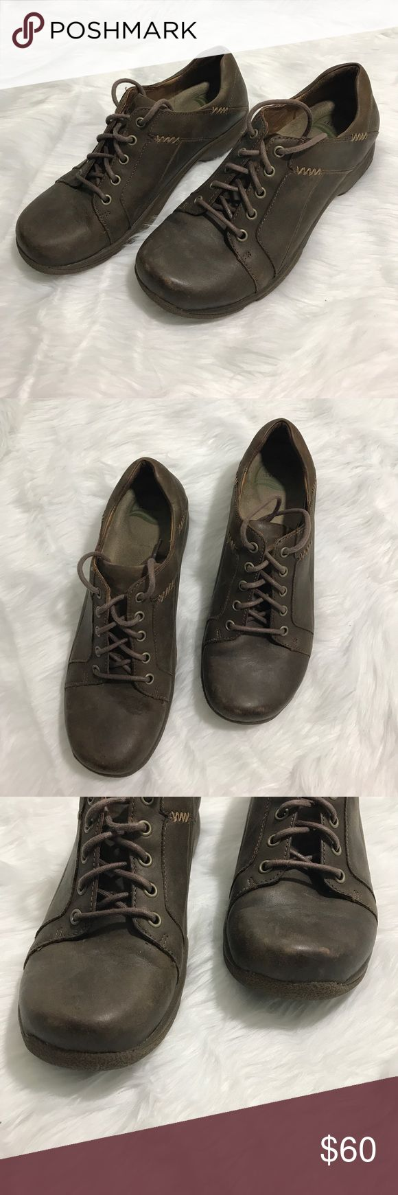 Dansko leather shoes Distressed leather. Brown. Great condition. Slip resistant. Few scuffs as pictured. Normal wear and tear . 1008 Dansko Shoes