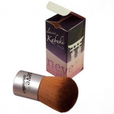Pennello kabuki professionale: il miglior strumento per applicare il fondotinta minerale.