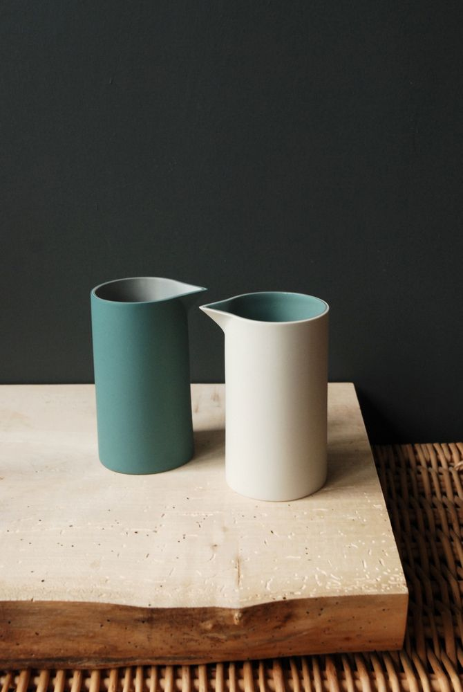 Jill Shaddock Ceramics. Like the duality of glazes and simplicity of form