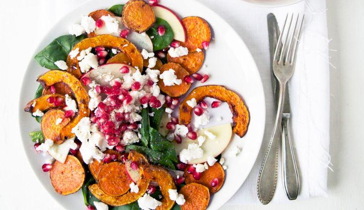 Herfstige salade met zoete aardappel, pompoen en geitenkaas