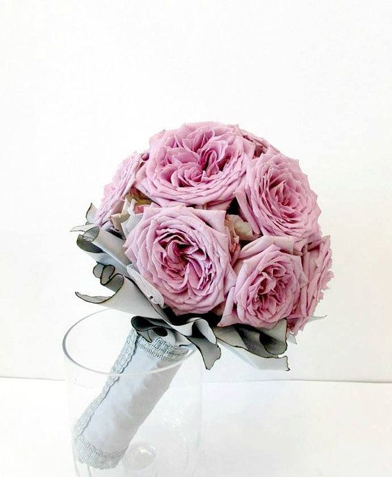 Buchet de mireasa din Trandafiri lila by JuliasRoseShop on Etsy