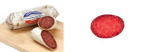 """Salame di Milano Un tempo la produzione tipica era a Codogno; ora si produce in Brianza e in tutto il milanese. Un centro tipico di produzione è San Colombano al Lambro. Nella zona di Codogno talvolta si aggiunge all'impasto una piccola quantità di sangue di suino. Il salame di Milano è uno tra i più conosciuti salami italiani; deriva da un impasto di carne suina e bovina macinato fine """"a grana di riso"""" e insaccato in crespone di suino o, data la sua produzione su larga scala, ormai estesa a…"""