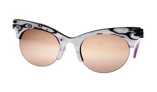 Gafas de sol en madera, filtro UV, Mujer, marca Maguaco S021. Maderas: Ojo de Pájaro y Nazareno. $200.000 COP