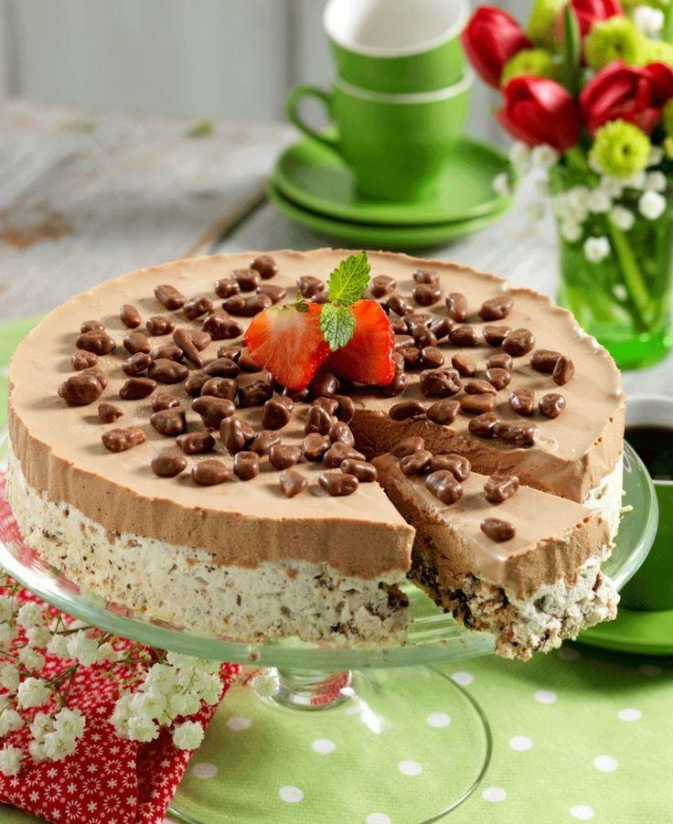 DAIMISKAKE: Nøtter, sjokolade, is og Daim, kan det bli bedre? Foto: All Over Press