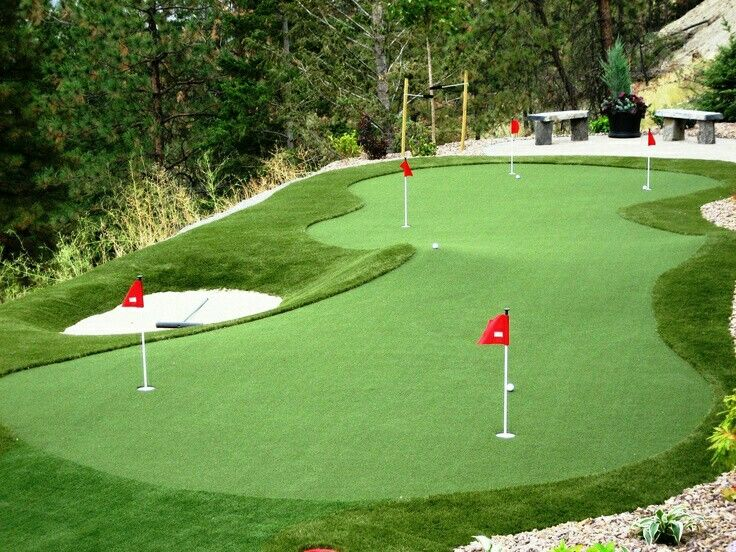 ⛳practise chipping and putting in your backyard. Improve your handicap. Sir.Green can help you design your own home course 💡