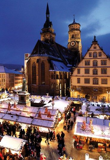 Weihnachtsmarkt Stuttgart - Weihnachtsmärkte 2013: Das sind Deutschlands schönste - Über 300 Jahre ist er bereits alt, der Weihnachtsmarkt in Stuttgart. Kein Wunder, dass alte und schöne Dinge im Mittelpunkt des Marktes stehen. Während rund um das Rathaus...