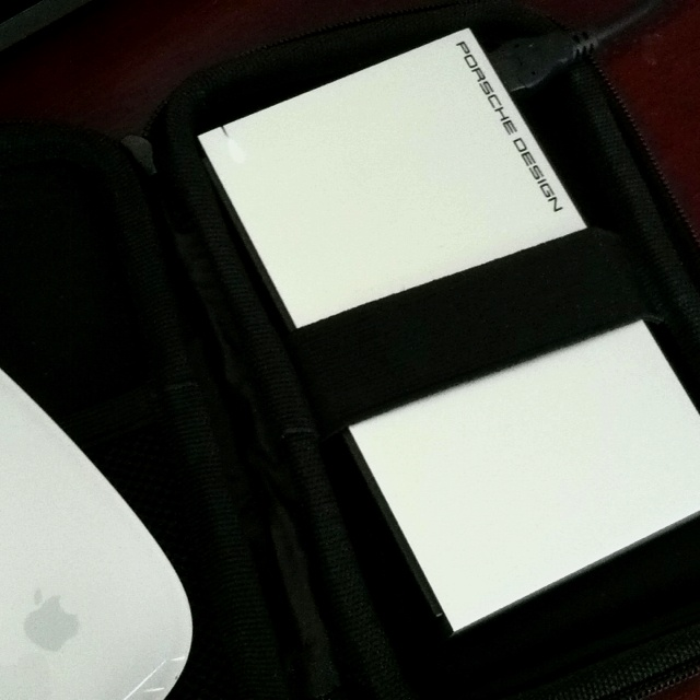 All my docs and pics? They're on a P9221 Porsche Design Mobile Hard Drive. Matches my aluminum MacBook Pro exactly!