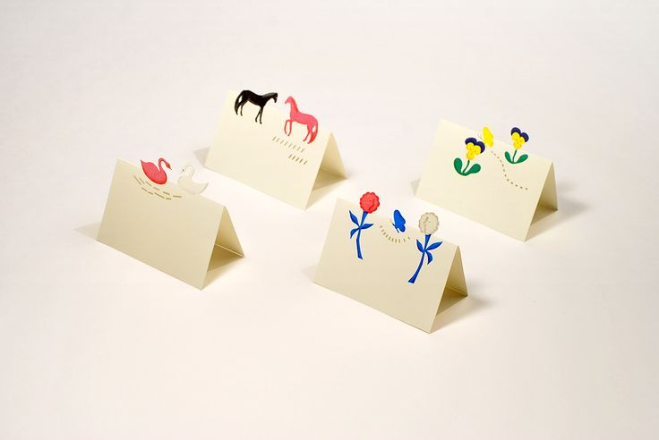 「Gift mini card」 A mini message card to add to the charm of a gift. Fold in two, and animals or flowers will stand up. Simply cling it on to a gift ribbon, or use it as a nameplate; this card can be used in various events.