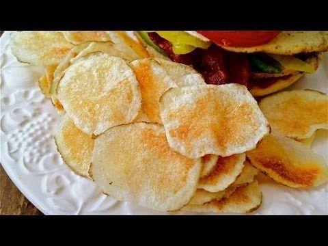 【動画】ポテチ好き必見!レンジで簡単『手作りポテトチップス』の作り方♫