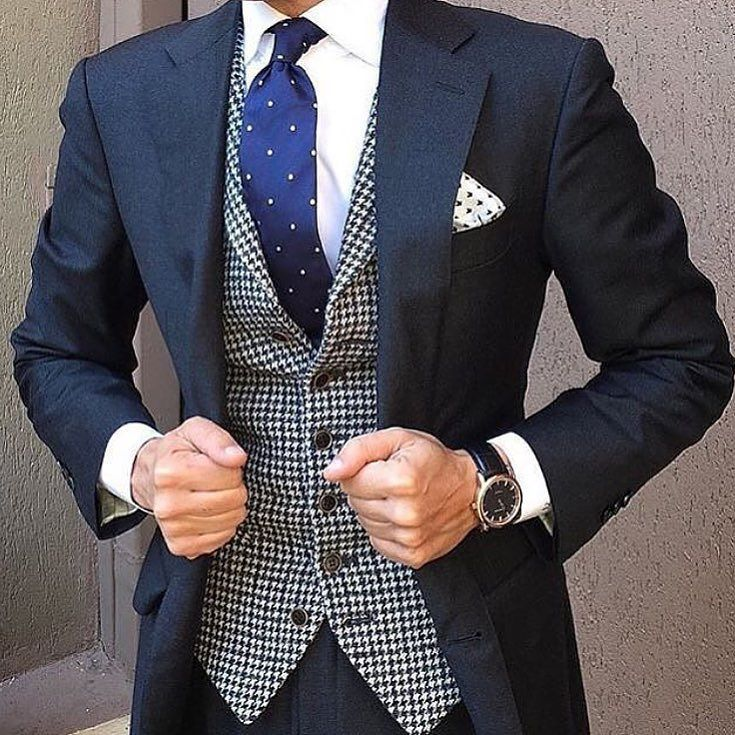 Italian style by @danielre #men #mensfashion #mens #menswear #menstyle #car #cars #carporn #weapon #weapons #luxury #lux #classy #italian #style #danielre #suit #expensive #millionaire #mood by suprememens