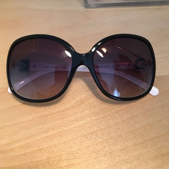 ONE NIGHT ONLY Chanel sunglasses Black and white sunglasses with Chanel logo on temple. These have NEVER BEEN WORN! Chanel case is not available but I do have a case that I can ship them in for protection. Priced accordingly. CHANEL Accessories Sunglasses