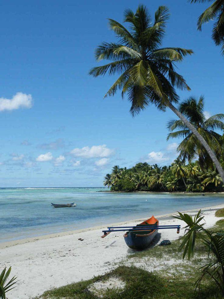 ILE SAINTE MARIE//L'île Sainte-Marie, autrefois nommée Nosy-Ibrahim et devenue aujourd'hui en malgache Nosy Boraha, est une île de la région d'Analanjirofo, dont les côtes sont éloignées de 7 à 12 km des rivages nord-est de Madagascar, dans l'océan Indien. Wikipédia