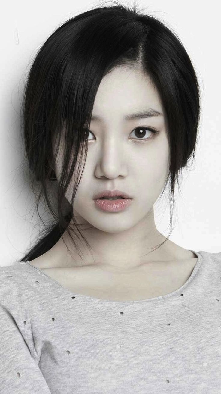 이유비 from South Korea