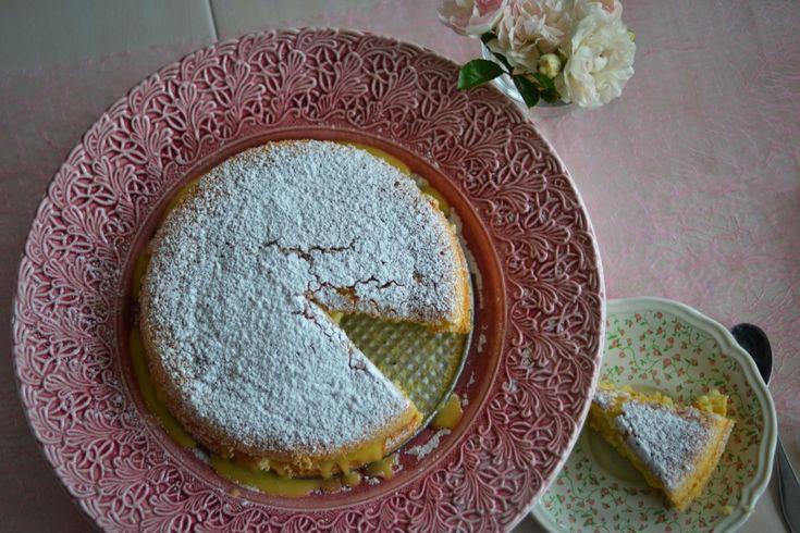 God dag. Dagens bak blev en silviakaka. Lätt och luftig kaka med underbar vaniljsmörkräm. RECEPT Sockerkaka 2 ägg 2 dl socker 2 dl vetemjöl 2 tsk bakpulver 1 d