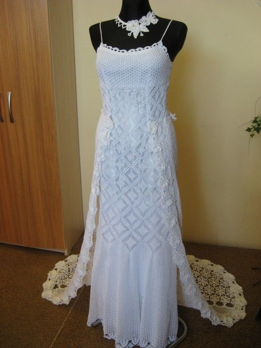 Best 25 crochet wedding dress pattern ideas on pinterest for Crochet wedding dress pattern