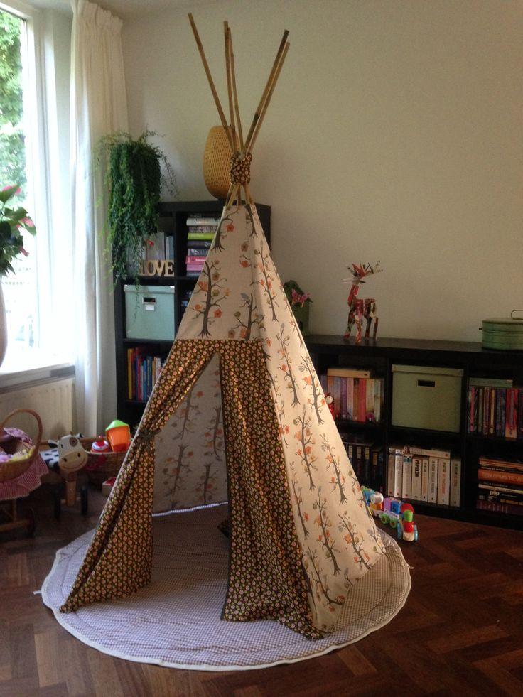 DIY Tipi tent (met dank aan de uitleg van Elske) aug. 2014