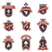 型のラベルを設定します。シールドあなたのロゴを配置します。copyspace。リボンおよび王冠と盾します。紋章。レトロなデザイン。高品質 — ストックイラストレーション #26500339