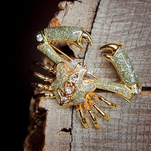 Alaskan Crab Brooch to compliment every occasion  #craft365.com