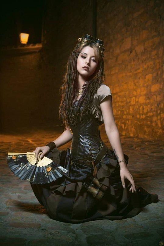 Загадочная девушка. Фотограф Винни Харди.