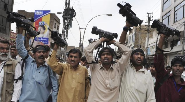 #Pakistan #journalists' choice: Face death, or jail    According to the Committee to Protect Journalists Pakistan is one of the most dangerous places in the world to work as a journalist, In the last six years 41 journalists have been killed in Pakistan.