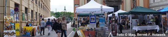 Bilder vom KUNST Markt der Kunst Meile Graz am Schloßbergplatz, Samstag den 10. Mai 2014  #Bilder, KUNST #Markt, #Kunst #Meile #Graz #Schloßbergplatz, #Wochenende, #Muttertag, #Kunstmärkte, #Kunsthandwerksmärkte, #Verweilen, #Schauen, #Kaufen, #Kunstinteressierte, #Passanten, #Schönwetter, #historische, #Altstadt, #flanieren  .