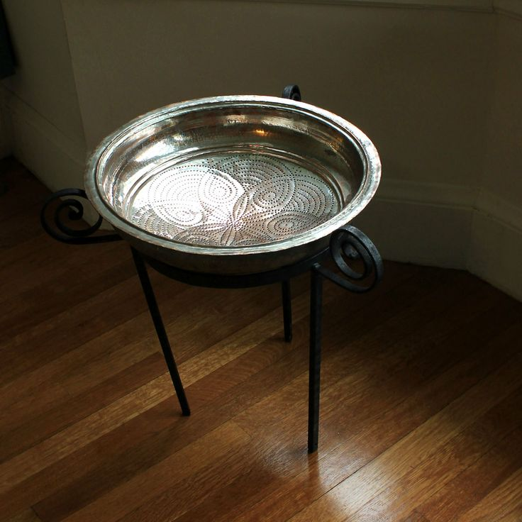 Copper table MESFAYE with vintage Bedouin copper sieve- Beyt by 2b design