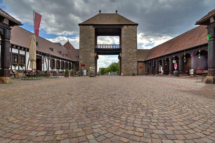 Deutsches Weintor in Schweigen-Rechtenbach an der deutsch-französischen Grenze - Pictures of Germany