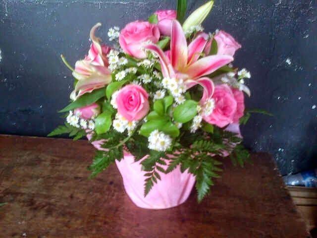 TOKO BUNGA GHUNFLORIST JAKARTA: Toko bunga mawar jakarta | 085716660717