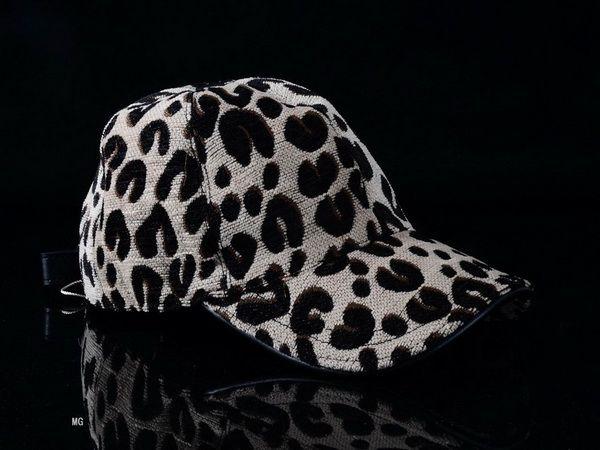 Louis Vuitton Designer Baseball Caps Snapbacks Hats 24 White Black