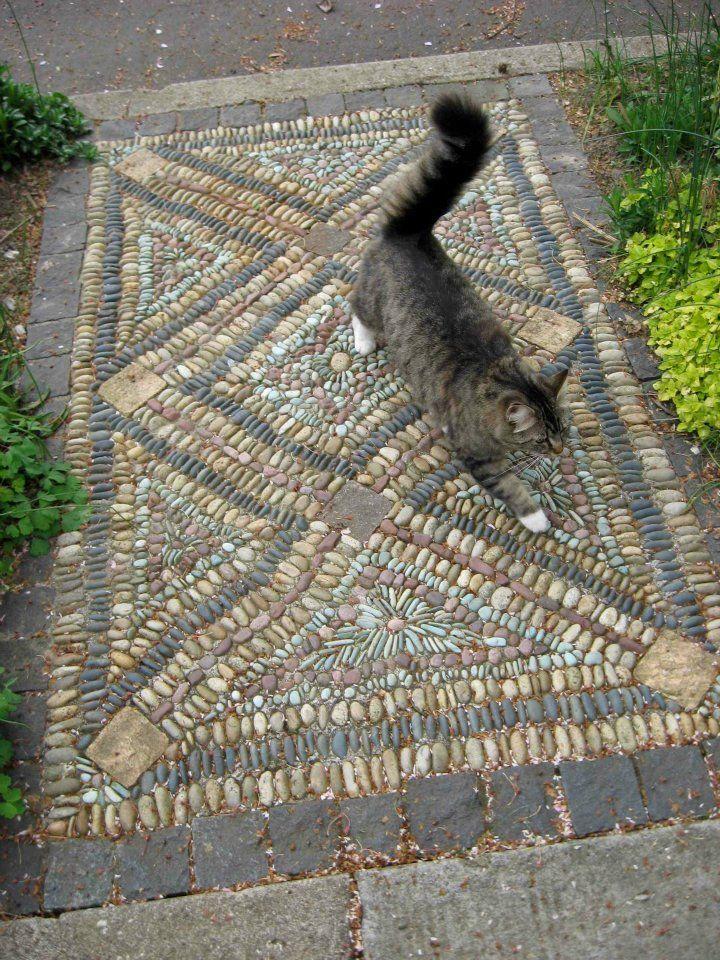 17 best ideas about pebble mosaic on pinterest stone for Mosaic garden designs