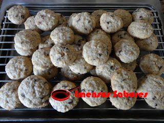Imensos Sabores - Receitas Culinárias: Biscoitos de trigo sarraceno com nozes e chocolate
