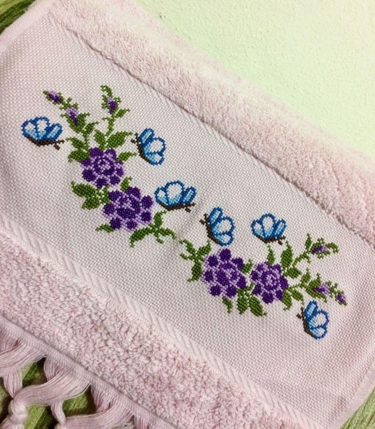 #crossstitch #çarpıişi #etaminişleme #etamin #kanaviçe #karekareişle #goblen #vintage #cross #embroidery #etaminmutfakhavlusu #mutfakhavlusu #havlu #kelebek #flowers #çiçek #fikirolsun :)