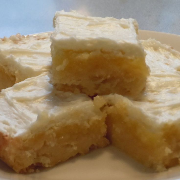 Yum! I'd Pinch That | Melt in Your Mouth Lemon Bars #recipe