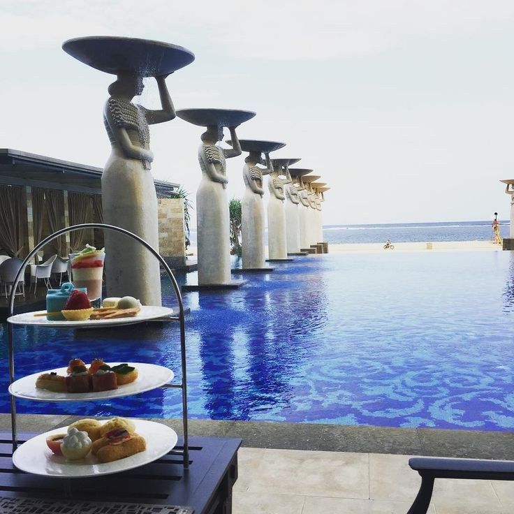 high tea with a view #classic #hightea #afternoontea #themulia #escapetomulia #summerholiday #relaxing #chillax #chillin