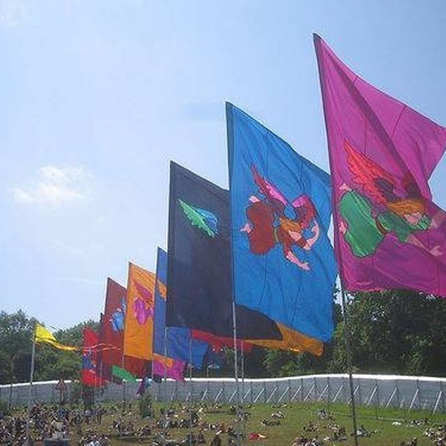 Make Your Own Decorative Outdoor Flag