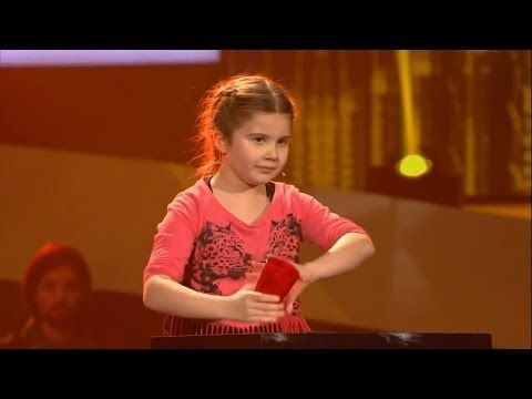 Larissa - Cups - The Voice Kids Germany 21.03.2014 - YouTube
