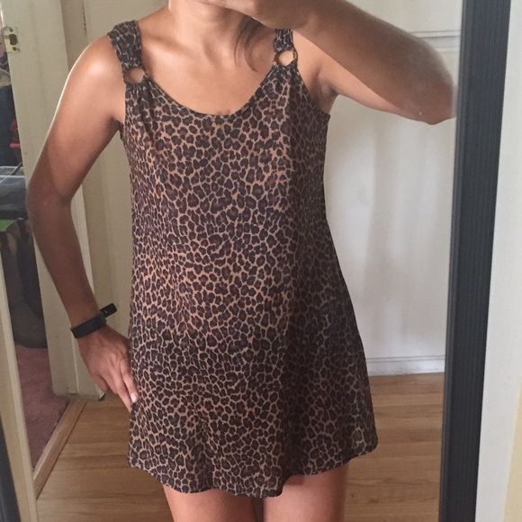 ☘St. Patrick's Day sale☘ Leopard dress Thin leopard dress 100% polyester. Will go back to $8 on 3/18/16☘ Dresses Mini