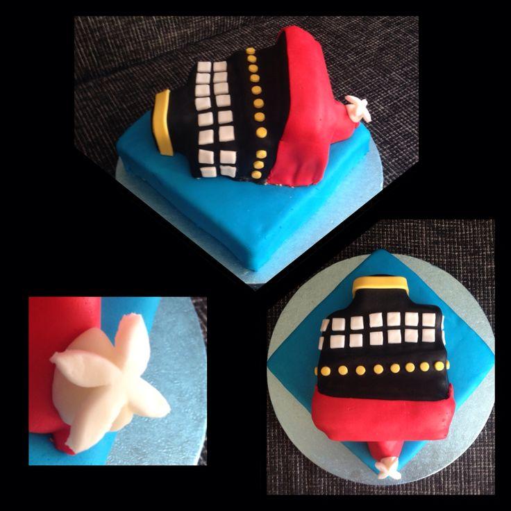 Zinkend schip (titanic) taart / cake