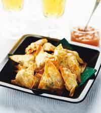 Samosas med kyckling och mango chutney