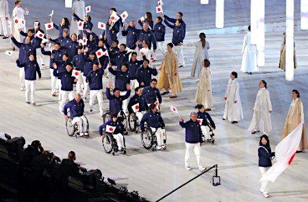 冬季パラリンピック・ソチ大会が開幕。開会式で入場する日本代表選手団=7日、ロシア・ソチ 【時事通信社】 ▼8Mar2014時事通信|開会式で入場する日本代表選手団 http://www.jiji.com/jc/p?id=20140308025429-0016847592&n=1 #sochi2014 #Paralympic #OpeningCeremony #japan