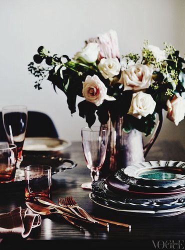 {décor inspiration | pale roses & glittery walls in vogue living australia}