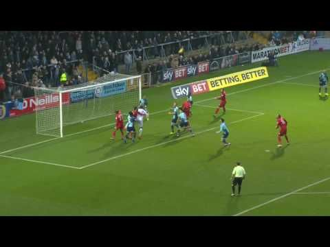 Wycombe Wanderers vs Leyton Orient - http://www.footballreplay.net/football/2016/12/17/wycombe-wanderers-vs-leyton-orient/