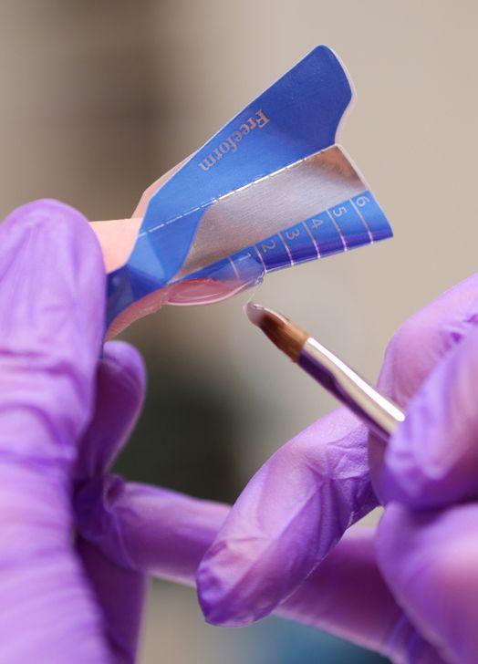 Ricostruzione unghie IBD by Ladybird house. Applicazione in Gel UV con l'ausilio delle Nail Form.