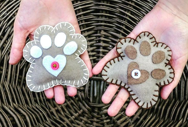 Patitas!!! Diseño Chicoca Deco # garritas #imanes #fieltro #bordado #perros #doglovers #regalos